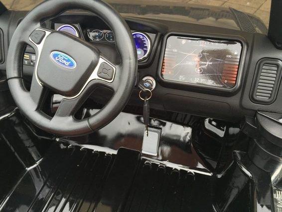 Электромобиль Ford Ranger белый глянец (АКБ 12v10ah, 2х местный, колеса резина, сиденье кожа, пульт, музыка)